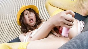 Curvy Teen Naho Kojima In Yellow Stockings Creamed