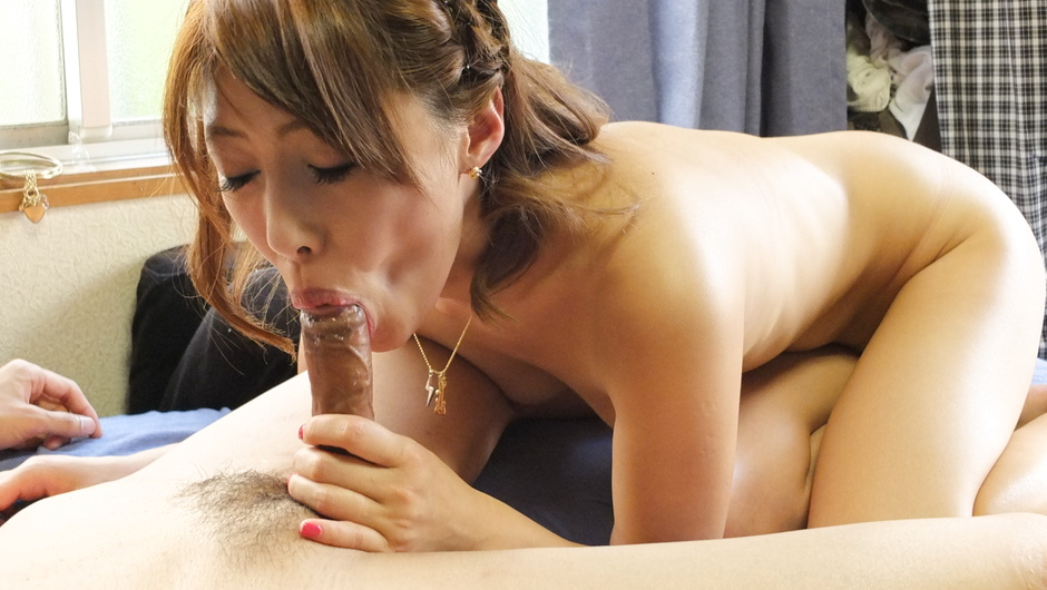 Japanese blowjob to end babe's filthy porn show