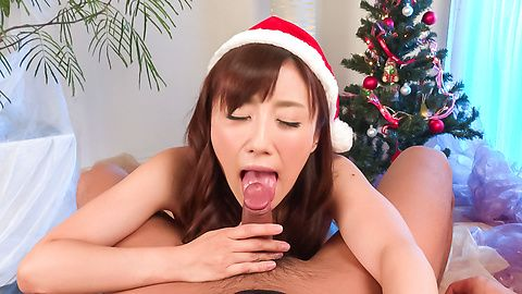 Amateur enjoys Asian blowjob as her Christmas present