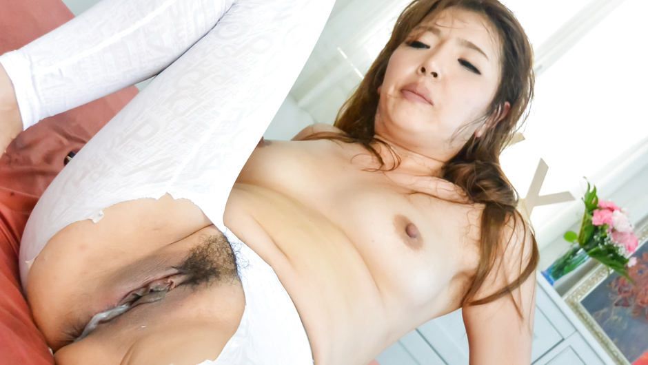 Asian milf gets creamed on pussy after hardcore