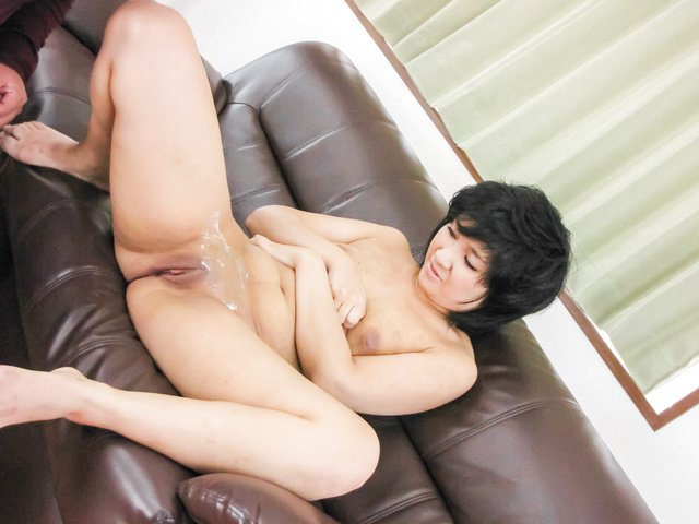 Hot Asian amateur porn action along curvy Saki Umita  Photo 12