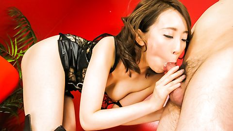 Aya Kisaki hot Japan milf with...
