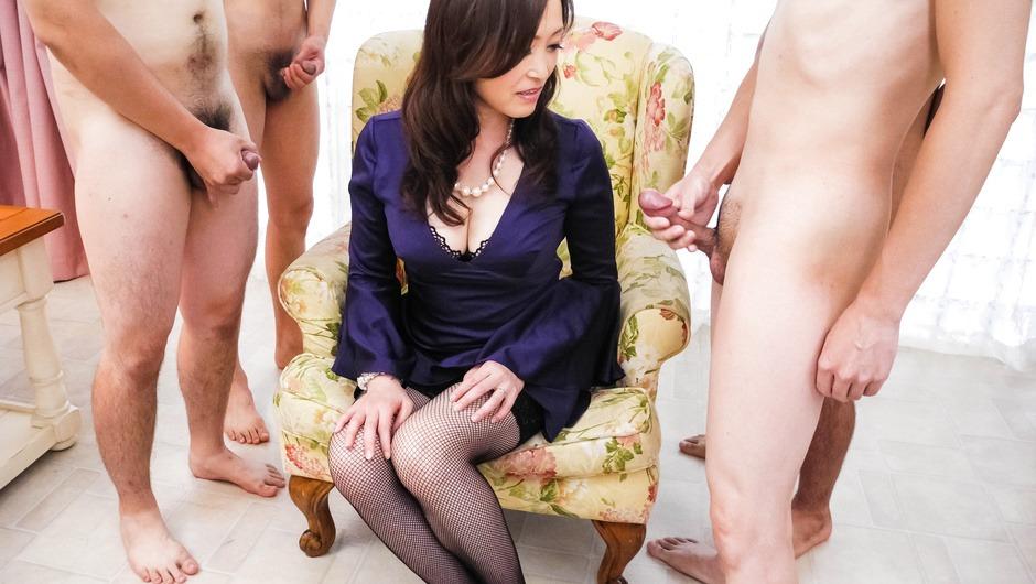 Miyama Ranko Masturbates While Sucking Dick