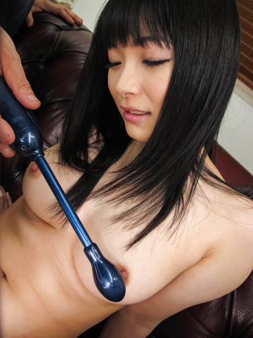 Busty Amateur Hina Maeda Squirts From Sex Toys Photo 2