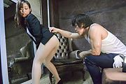 Japan milf tries cock until getting fully jizzed on pussy  Photo 2
