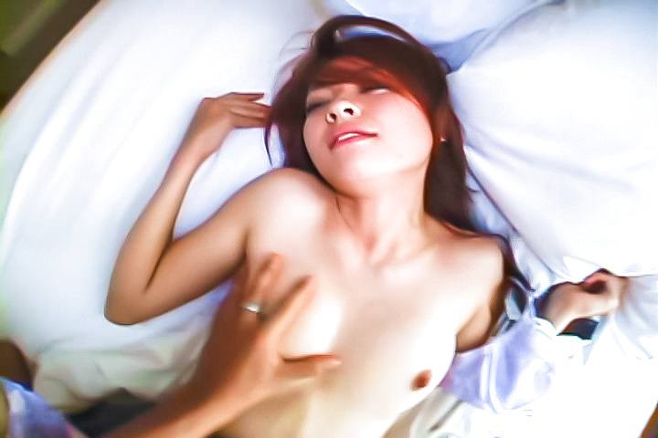 Japanese amateur sex with a naughty schoolgirl in heats