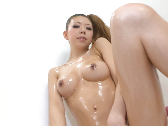 Naughty Asian hottie Ryuu Narushima toy fuck her miff Photo 12