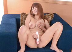 Busty Hitomi Kitagawa enjoys tasty dick on cam