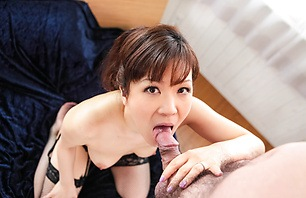 Busty MILF Ichika Asagiri Gives A Great Blowjob