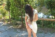 Japanese outdoor posing with youngYui Kasugano Photo 10