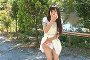 Japanese outdoor posing with youngYui Kasugano Photo 11