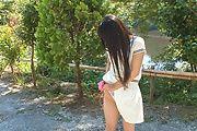 Japanese outdoor posing with youngYui Kasugano Photo 9