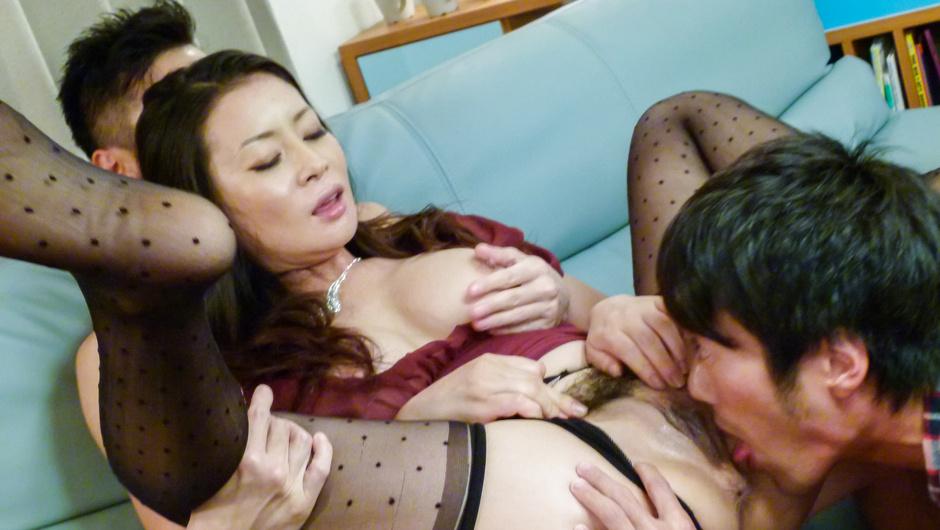 Babe in av stockings,Rei Kitajima, fucking in threesome