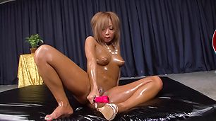 Oily Bronze MILF Riku Hinano Pounds Herself With A Vibrator
