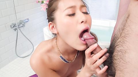 Aoi Mizuno makes magic during amazing Asian blowjob
