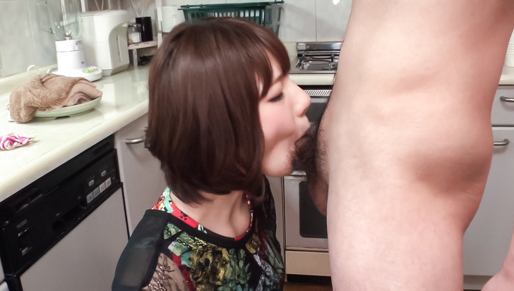 Airi Miyazaki gives head in the kitchen and swallows