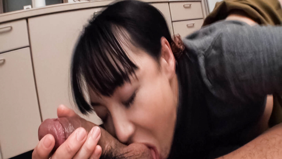 Play Dirty Minded Wife Advent Vol.28 part 2