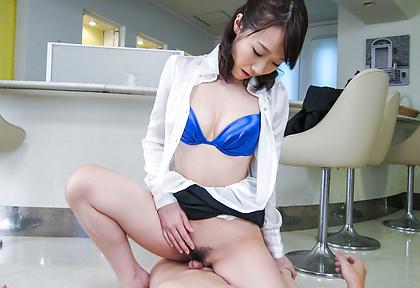 Japanese lingerie model provides amazing blowjob