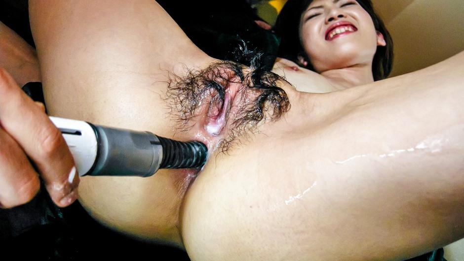 Vibrator and lotion play with Kanon Hanai