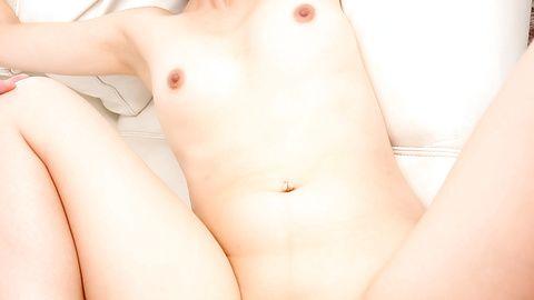 Sexy MILF Izumi Manaka in asian...