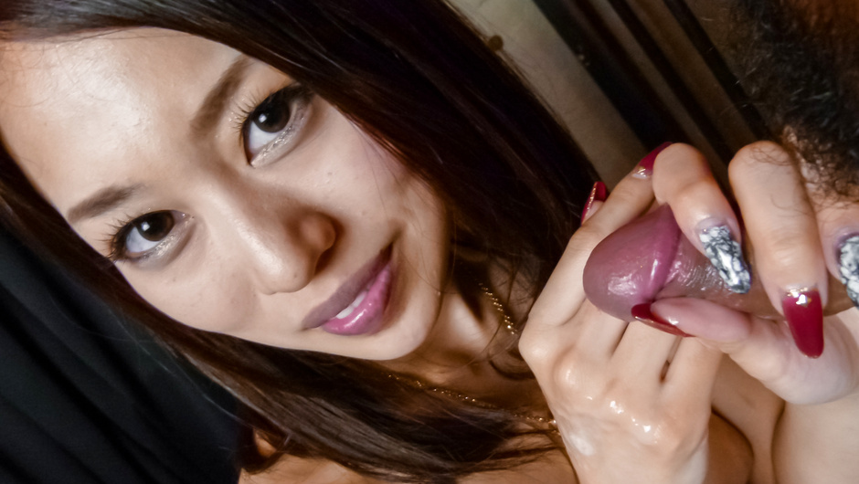 Smiling MILF An Yabuki gives a hot asian blowjob