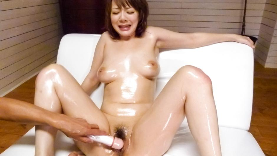 Rough stimulation for busty Japanese milfArisa Araki