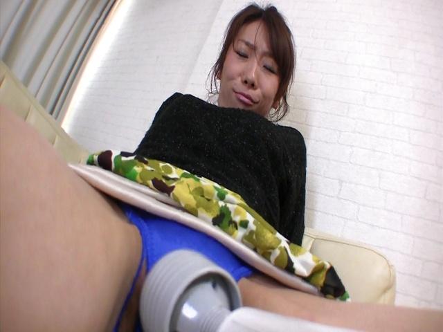 Asian amateur sex with skinny hottieMizuki Tsukamoto Photo 6