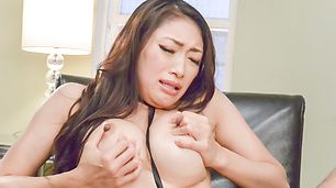 Reiko Kobayakawa's big tits jiggle as she cums from a vibrator