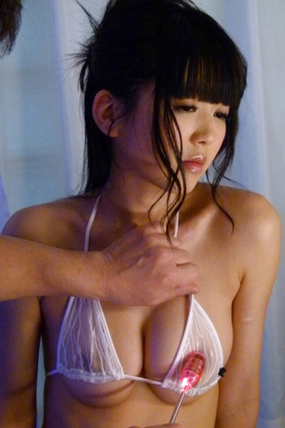Sweetie enjoys asian cum splashing her face  Photo 6