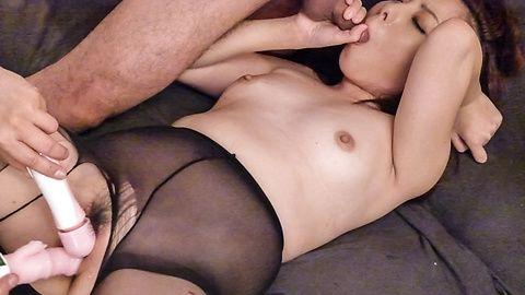 Maki Mizusawain steamy Asian...