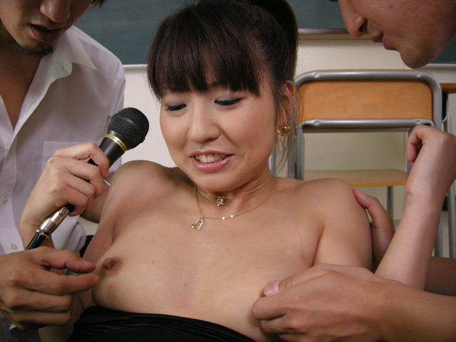 Double blowjob and hard sandwich fucking Misato Kuninaka Photo 4