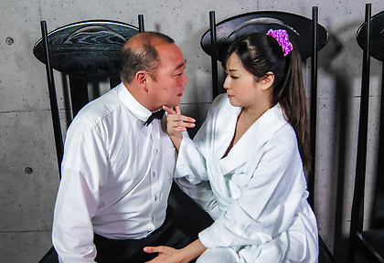 Asian amateur blows cock until fully jizzed on face