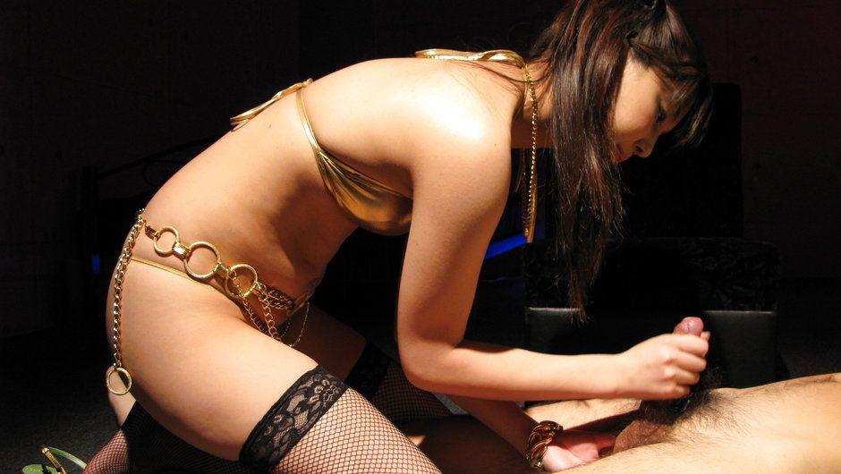 Rio Nakamura Shows Off Her Deep Throat Skills