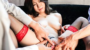 Gorgeous MILF Ayami Creampied By Two Guys