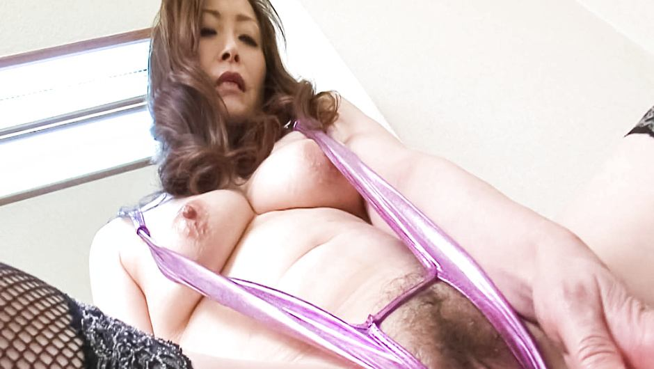 Busty MILF Miyama Ranko Pees And Masturbates