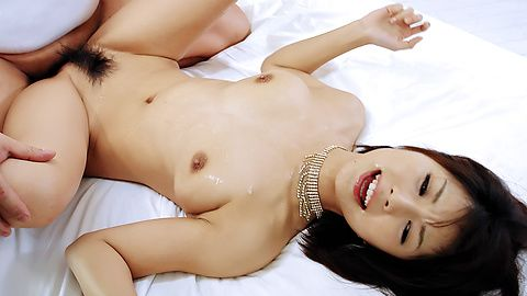 Double load in mouth for Azumi Harusaki after hard sex