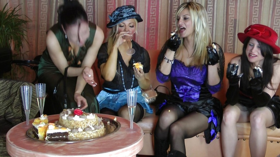 マッド・セックス・パーティー:濡れたおマンコたちの2番をストリーム