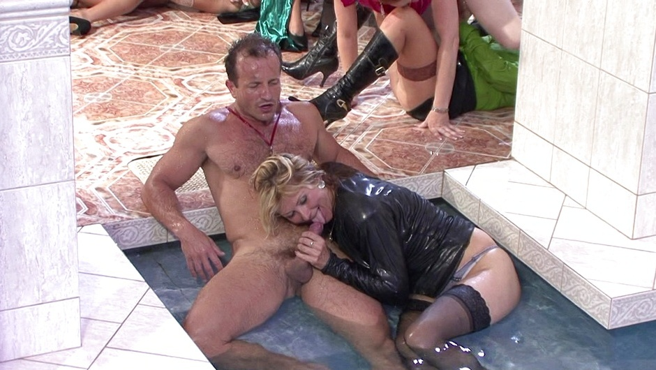 マッド・セックス・パーティー:クーガー・クルーの2番をストリーム