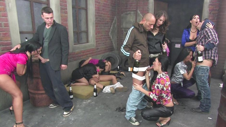 マッド・セックス・パーティー:バック・アレイ・バンガーズの3番をストリーム