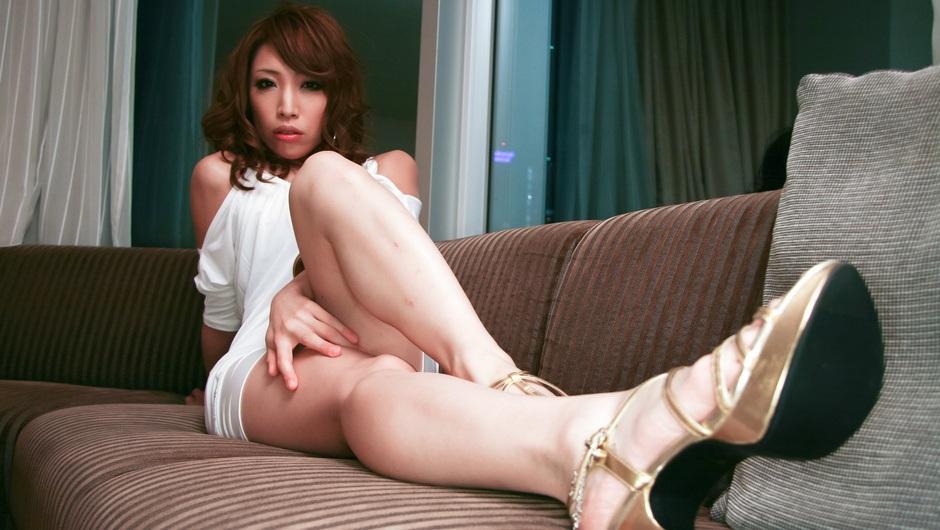Blowjob Threesome For Aya Sakuraba Ends In Cum Eating